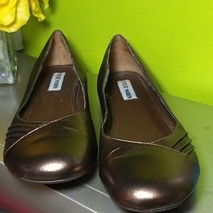 Steve Madden Bronze Leather Flats Size 9.5